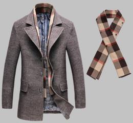 2019 mens di cappotto incappucciato a lana singola Uomo Inverno Miscele Panelled Moda Slim monopetto Windbreaker Designer lana cappotti Abbigliamento casual staccabile Sciarpa Maschi