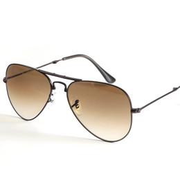 Lunettes de soleil pliantes en gros en Ligne-Lentille en verre véritable gros-pliantes lunettes de soleil aviation femmes hommes lunettes de soleil rayons du soleil hommes femmes G15 lentille UV400 avec des paquets de pliage en forme