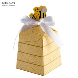 trapezoid box Promo Codes - free shipping 150pcs Little bee trapezoid yellow baby shower candy box personality new mini gift box party supplies packaging