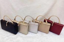 2019 saco de embreagem de lábios vermelhos atacado 2019 bolsas de grife bolsas de couro designer de luxo bolsas de strass ouro prata bolsas de embreagem sacos Sacos de Noite frete grátis Barato