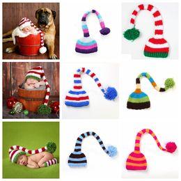 Bebê crochê santa adereços on-line-Handmade Knit chapéu de Santa Crochet Bebê Xmas tampas Baby Boy menina Natal Pompom Hat Infant Long Tail listra Gorros partido sustentar chapéus FFA3131-1
