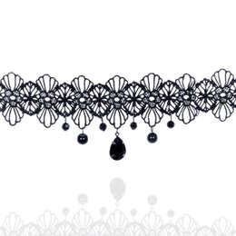 Collane collari perle online-1PCS Donna Black Flowers Lace Beads Charm Choker Steampunk Style Gothic Collar Collana Regalo Donna Lady Party Jewelry