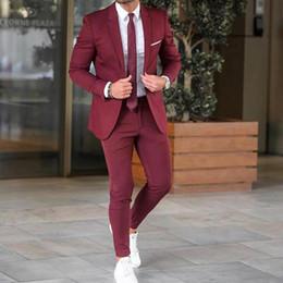2019 il vestito di prom danno colore beige Smoking da sposo color bordeaux Risvolto con risvolto Slim Fit Groomsmen Wear Popolare da uomo Blazer formale Prom Jacket Suit (Jacket + Pants) il vestito di prom danno colore beige economici