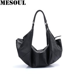 novo couro preto hobo saco Desconto Top-Handle Bags 100% Couro Genuíno Macio Mulheres Sacos de Ombro 2019 Novo Designer De Luxo Da Marca Bolsa de Senhoras Preto Hobos saco de Mão