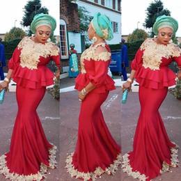 Elegentes rotes kleid online-2019 New Elegent Dubai Red Mermaid Abendkleider Für Frauen Jewel Neck Mit Gold Applikationen 3/4 Ärmel Schößchen Arabisch Party Prom Kleider