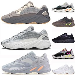 f390cd6ca Adidas Yeezy Boost Geode Cement Inertia 700 V2 Chaussures Static Kanye West Wave  Runner Chaussures de course blanc noir Mauve Hommes Femmes 700s sport ...