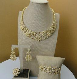 Yuminglai Afrika Mücevherat Dubai Kostüm Takı Kadınlar için Yüksek Kalite Basit Çiçek Tasarım Takı Setleri FHK5271 nereden