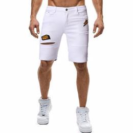 Jeans di ricamo maschile online-Designer di lusso da uomo Jean Pantaloncini estivi al ginocchio fori ricamo uomo jeans moda bianco strappato abbigliamento maschile