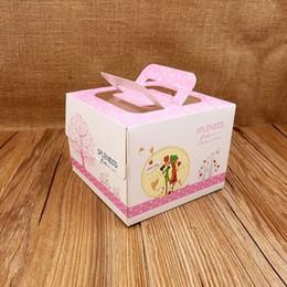 papier de velours en gros Promotion FeiLuan magasin nouvelle boîte de gâteau de mode 50pcs 13.5x13.5x10.2cm bonbon rose fraise gâteau de fête d'anniversaire pour l'engagement de mariage
