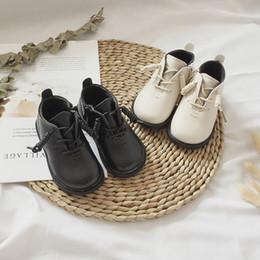 390438f995eb japanische wintermode Rabatt Japanischen Stil Frauen Stiefel Jungen Mode  Schwarz Weiß Stiefel Mädchen Rutschfeste Warmed Schnee