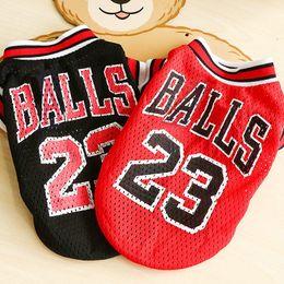 petits gilets Promotion Sport été chien gilet chat chemise vêtements pour animaux de compagnie respirant mesh Sweat Basketball Jersey vêtements de chien pour chiens chats chats fournitures