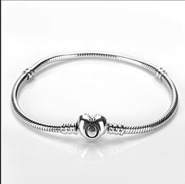 catene a forma di cuore per gli uomini Sconti Bracciali Pandora a forma di cuore Catena a forma di serpente Fit Pandora Charm Bead Bangle Bracciale gioielli regalo per uomo Donna brand come Pandora sotto CNY290