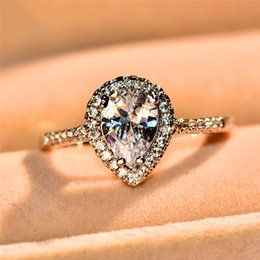 2020 anel de prata pedras pequenas Luxo Feminino Água, Pequeno, Gota Silver Ring Cristal Zircon pedra anel de noivado casamento Vintage Anéis banda por Mulheres anel de prata pedras pequenas barato