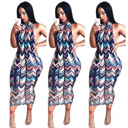 2019 Hot New Waves Stripes Stampa da donna Night Out Abiti Collo alto senza maniche Fodero Backless Elegante Club Party Dress Immagini reali da