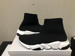 2019 casual moda rossa Sneaker di alta qualità di alta qualità Designer nero Sneakers Uomo Donna Nero Rosso Scarpe casual Calzini moda Sneaker Stivali alti con scatola casual moda rossa economici