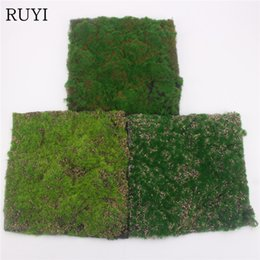 2020 pared de la ventana falsa Simulación Moss Turf Lawn Wall Green Fake Plant DIY Artificial Grass Board Wedding Home Hotel Background Shop Window Decoration pared de la ventana falsa baratos