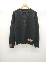 Estilos de pescoço suéter on-line-1227 2018 Outono camisola de grife de luxo camisola Marca Mesmo Estilo Cardigan Botão de Manga Longa V Neck Cardigan Roupas Femininas DL