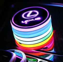 автоменщик Скидка LED логотип автомобиля подстаканник Pad 7 цветов Изменение USB Charging Атмосфера Мат Кубок LED Mat автомобилей лампы Декоративные лампы 2PCS для Lexus аксессуары