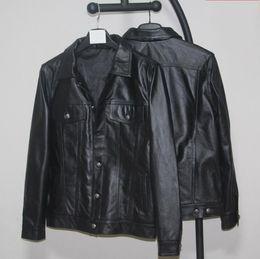2019 primeiro jaquetas de couro da motocicleta Homens marca de primeira camada do couro do couro Jacket Men Slim curto Denim Motorcycle Mens Moda bolso de couro genuíno Brasão Blazer desconto primeiro jaquetas de couro da motocicleta