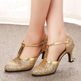 Altın yüksek topuklu Kadın Ayakkabı 2019 Kadın Elbise Ayakkabı Pompaları Latin Dans Ayakkabıları 5 CM Düşük Topuklu Kadın D ... nereden