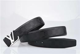 Cinturón de marca para hombre de moda popular 2019, una variedad de estilos, hebilla de color, una variedad de mano de obra exquisita, estética fuerte desde fabricantes