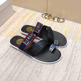 Zapatillas de cuero italiano online-Nueva marca de verano de verano de los hombres zapatillas de cuero de calidad de piso plano inferior apartamento de los hombres zapatos casuales envío gratis 40-44 tamaño