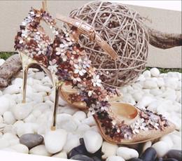 2019 doces de valentim Doce Flor Mulheres Bombas Outono Nova Zapatos Mujer Fivela Venda Quente Vestido De Noiva Sapatos Mulher Valentine Stiletto De Salto Alto desconto doces de valentim