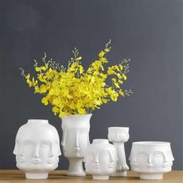 vasi di testa all'ingrosso Sconti Vaso astratto in ceramica minimalista nordico bianco Vasi di visualizzazione del viso umano decorativo Figura forma di testa Vaso Ornamento di fiori