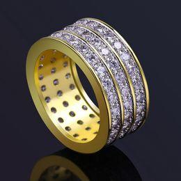 Grau de qualidade de luxo gritante 3 linhas cubic zirconia solitaire anel de jóias moda hip hop tamanho grande 18k banhado a ouro anéis de dedo círculo lr028 de Fornecedores de anéis de ouro branco baratos