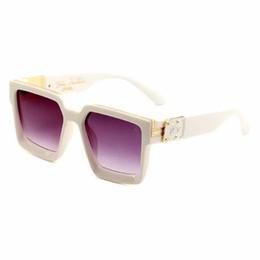 blaue mondbrille Rabatt New Fashion Classic Sonnenbrillen männlich weiblich für Vollformat Multicolor Sonnenbrillen männlich weiblich fahren Sonnenbrillen Großhandel Freies Verschiffen