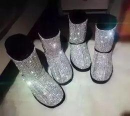 Bottes en cristal de neige en Ligne-Femmes Vente Chaude Noir Rose Bling Cristal Bottes De Neige Enjolivées D'hiver Mode À Bout Rond Slip Sur Mi Bottines Bottines Plat Avec Chaussures