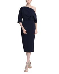 Nueva 2019 vaina Hasta la rodilla Vestidos de madre de la novia de color azul marino oscuro con mangas Cremallera de un solo hombro Volver Vestidos de boda baratos para invitados desde fabricantes