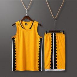 Traje negro rosa hombres online-Traje Rosa NCAA Men Basketball jerseys transpirable de ajuste de Diseño de la universidad por mayor a medida Red Team Sport Kits Negro