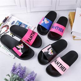 peep toe satin blanc Promotion 2019 femmes sandales chaussures toboggan été mode large plat sandales glissantes pantoufle Flip Flop en stock accessoires de mariage