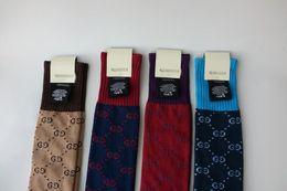 2019 Marka 4 renk kadın Çorap F Mektuplar Popüler Logo Çorap Yeni Kadın Seksi Moda Çorap Siyah Renk parti Kulübü Kız Için tayt yok kutu cheap black tights club fashion nereden siyah taytlar kulüp modası tedarikçiler