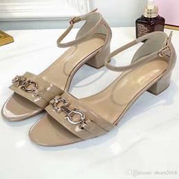 Tipi sandalo online-Design open toe alla moda di nuovi sandali con tacco a spillo 5A Qualità della pelle di pecora interna antiscivolo e resistente all'usura NB: 77-888