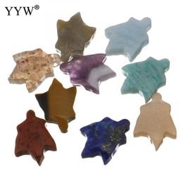 2019 mode nach dem zufall gesendet naturstein kristall charms anhänger ahornblatt für schmuck machen gute qualität halskette armbänder von Fabrikanten