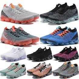 2019 flash real New Moon Landing Blue Fury Knit 3.0 zapatos para correr hombres mujeres flash crimson Oreo Rust Pink Triple Black White Midnight navy sneakers rebajas flash real