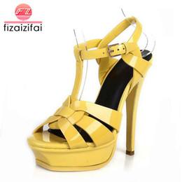 Sandalen 33 online-FizaiZifai freies Verschiffenqualitätsleder-Absatzsandelholzfrauen reizvolle Fußbekleidungart und weisedame beschuht R4425 heißen Verkauf 33-40