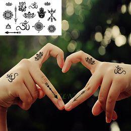 Tatuagem Temporária À Prova D 'Água Adesivos Tribal Totem Lótus Flecha Mandala Falso Tatto Flash Tatoo Pescoço Mão de Volta Pé para As Mulheres Menina de Fornecedores de tatuagens pés das meninas