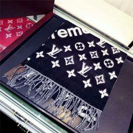 2019 bufandas de gasa de color Introducción de la fábrica bufandas de cachemira Clásico rojo marrón tamaño negro 180 * 30 cm superiores bufandas de cachemira de marca para hombres y mujeres