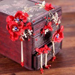 2019 accessoire de cheveux rouge de mariage chinois Parures de bijoux chinoises de mariée bijoux de fleurs rouges glands de cristal diadèmes boucles d'oreilles accessoires de cheveux de mariage mariée pièce de tête décoration accessoire de cheveux rouge de mariage chinois pas cher