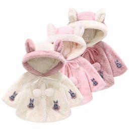 2019 ponchos de lana Caliente dulce muchachas lindas de piel de pelo de lana grandes orejas manto manto chal chaqueta Nueva camisa de piel artificial Niños ropa de diseñador M070 ponchos de lana baratos