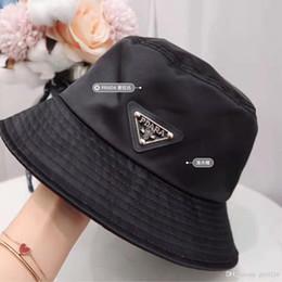 cappelli di paglia ricamati Sconti 2019 di alta qualità all'aperto cappelli da pescatore classici maschili e femminili del campeggio cappelli di pesca di caccia di lusso sulla spiaggia sole estivo