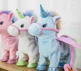 5 colori carino unicorno guinzaglio bambola del cavallo volante può camminare può cantare drago elettrico bambola di peluche per poni unicorno cavallo peluche da cuscini sicuri fornitori