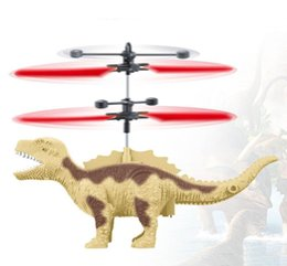 2019 juguetes dinosaurios Helicóptero con el regulador de inducción Mini RC control remoto dinosaurios línea de detección Juguetes voladores Juguetes de la novedad de los aviones MultiCopter rebajas juguetes dinosaurios
