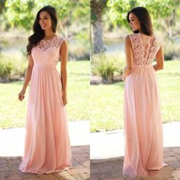 Vestido de dama de honor largo rosa bohemio online-2019 Blush rosa vestidos de dama de Bohemia Jewel Cap mangas de longitud de playa de la gasa larga Jardín huésped de la boda Criada de los vestidos