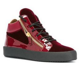 Diseñador de marca de lujo de alta calidad para hombre de moda zapatillas de deporte de cuero genuino de doble cadena de las mujeres zapatos casuales entrenadores de alto grado desde fabricantes