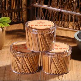 Palos de sándalo online-100pcs / caja de sándalo natural palillo de bambú Placa HRead palo de incienso regalo budista Familia Decoración fragancias para el hogar