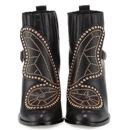2019 botas de cuero de remache alto Sexy2019 Martin Webster Sophia Butterfly remache botas superan alto grueso con zapatos de tacón alto cuero de vaca botas de cuero de remache alto baratos